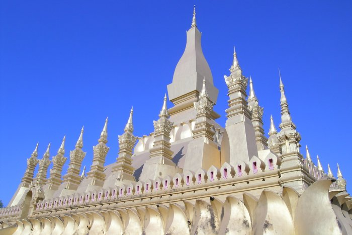 Multiple gold spires around one central gold spire.