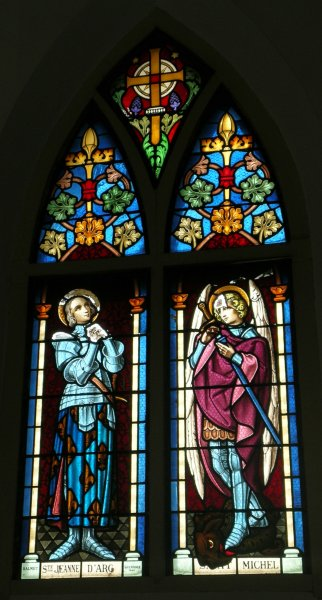 Stained glass: Joan of Arc and Saint Michel